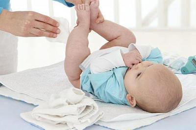 Notifican que un lote de toallitas húmedas para bebes contiene bacterias posiblemente peligrosas