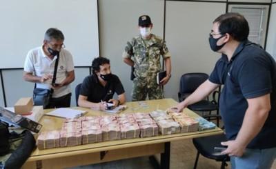 Brasileño detenido con R$ 340.000 en su poder sin poder justificar