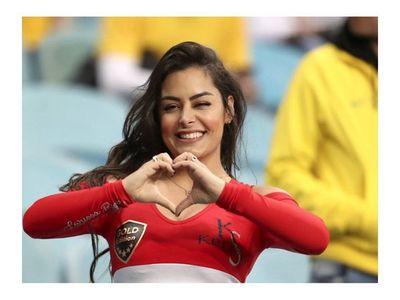 Argentinos insultaron a Larissa por festejar el gol de la Albirroja