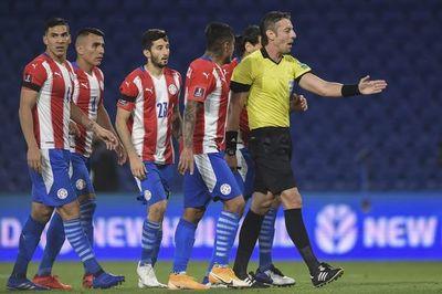 El VAR en el juego Argentina – Paraguay