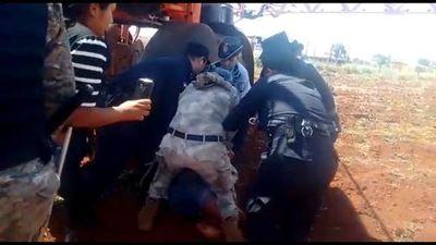 Arrestan a adolescente indígena por impedir fumigación cerca de su aldea