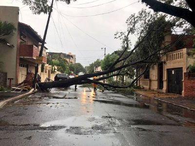Temporal que azotó Asunción y Central deja graves destrozos