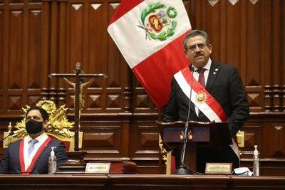 Crisis en Perú: el Congreso se reúne para discutir la posible salida del nuevo presidente, Manuel Merino