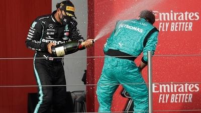 El mundo de la Fórmula 1 se rinde a los pies de Hamilton
