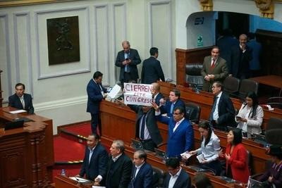 Incertidumbre en Perú: no hubo consenso en el Congreso y el país sigue sin presidente