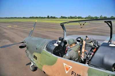 El Tucano T-27 vigila desde el aires reservas naturales de Itaipú