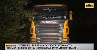 Joven motociclista fallece tras roce con tractocamión en Itá