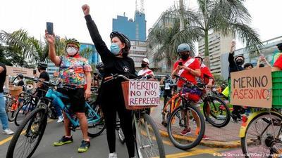 Renunciaron todos: Acefalía en Perú, sin presidente ni jefe del Congreso