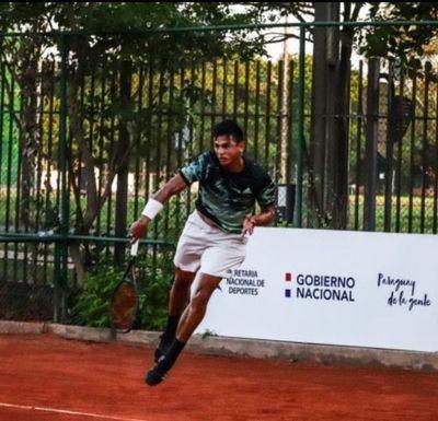 El Pedrojuanino HERNANDO ESCURRA es campeón del circuito nacional de tenis profesionales