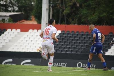 El gol para aplaudir, es el de Ramón Sosa