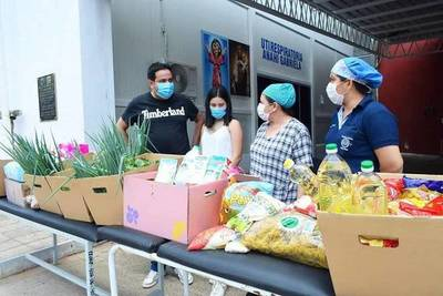 Fiorella y sus quince años: pidió víveres como regalos para donarlos al Hospital de Villa Elisa