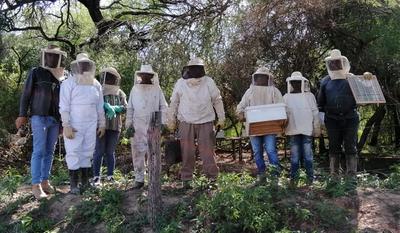 Capacitaron a apicultores de Mariscal Estigarribia