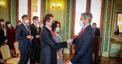 Luis Castiglioni juró como nuevo titular de Industria y Comercio