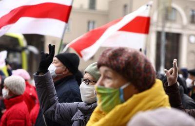 Más de 700 detenidos en Bielorrusia tras manifestación de la oposición