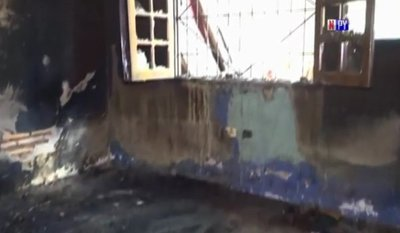 Vivienda arde en llamas en Villa Elisa