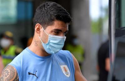 Suárez y Muñoz, bajas en Uruguay por Covid positivo