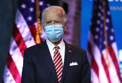 """Biden advierte que """"morirá más gente"""" por covid-19 si Trump no coopera con él"""