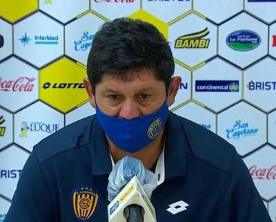 Luis Escobar lamenta la falta de volumen de juego