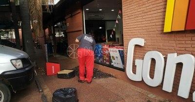La Nación / Intento de asalto en local comercial sobre Mcal. López fue frustrado por guardia