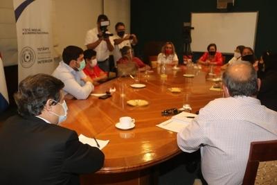 EL GOBIERNO PROSEGUIRÁ ASISTENCIA ALIMENTICIA Y ENTREGARÁ SUBSIDIO A TRABAJADORES FRONTERIZOS DE ENCARNACIÓN AFECTADOS POR LA PANDEMIA