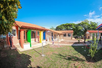 Mario Abdo inauguró obras de infraestructura para más 40 instituciones educativas de San Pedro