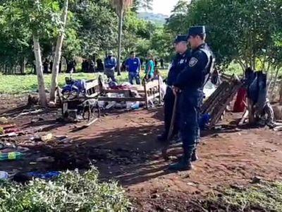 Fuerte despliegue policial en desalojo de familias en PJC