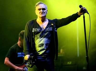 Morrissey vuelve a quedarse sin discográfica