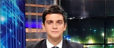 El periodista Enrique Dávalos es también corredor de karting