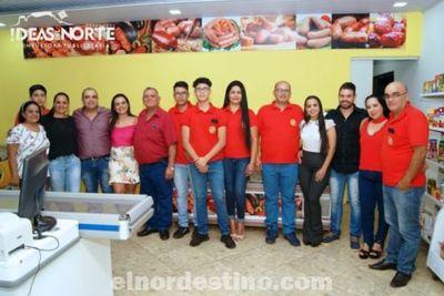 Con una intimista reunión familiar Paradeda Representaciones inauguró su local de ventas al por mayor y al menudeo