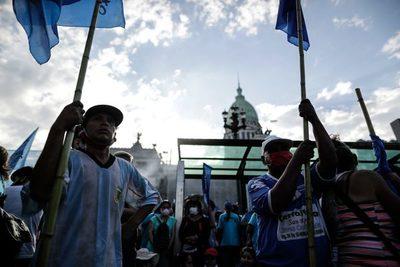 """Argentina debate que las grandes fortunas paguen un """"aporte"""" contra la crisis"""