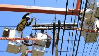 ¿Mejorará el servicio al privatizar la distribución de energía? Cuatro puntos a tener en cuenta