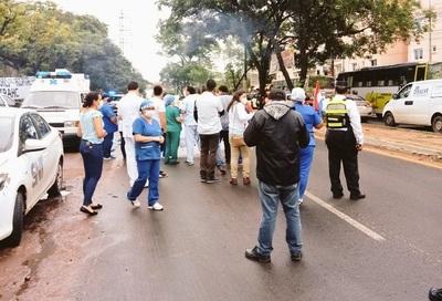 Arranca huelga de funcionarios en el Hospital de Clínicas