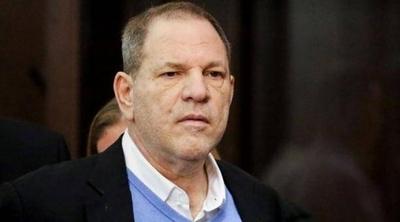 HOY / Aíslan en prisión al productor de cine Harvey Weinstein por síntomas de covid