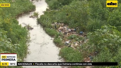Bahía de Asunción está atestada de basura