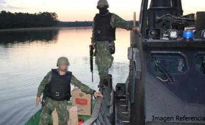Fingieron ser pescadores para robar una pistola y un fusil de militar