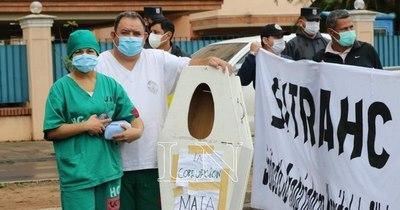 La Nación / A pesar de la huelga, en Clínicas garantizan servicios de urgencias