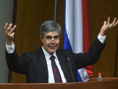 Privatizar servicios de energía no funcionaría por deficiente regulación, sostiene Ferreira