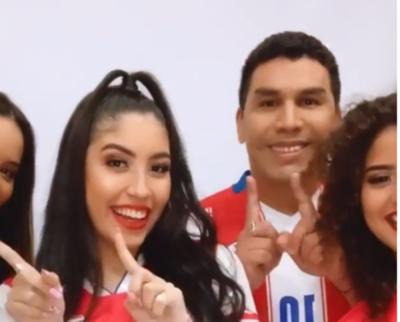 """Crónica / (VIDEO) Al son de """"Chica Ideal"""" el Chava mueve el esqueleto"""