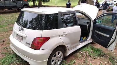 Vehículo robado en San Lorenzo fue localizado en predio de la Cárcel de Coronel Oviedo