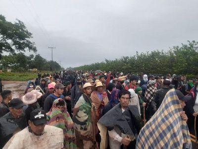 Tras diálogo, suspenden desalojo de campesinos en Canindeyú