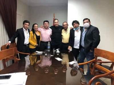 Despierta sospechas reunión en que estuvieron Miguel Prieto y Kelembu