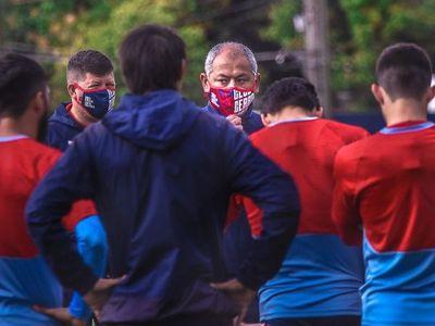 Francisco Arce y las bajas del campeón pos Eliminatorias