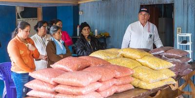 Productores reciben semillas de autoconsumo en Mariscal López