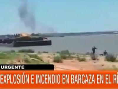 Susto en San Antonio por explosión de una barcaza