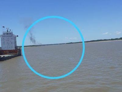 Explotó una barcaza argentina en aguas del río Paraguay
