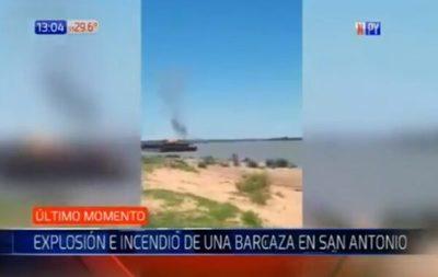 Reportan fuerte explosión en barcaza en zona de San Antonio