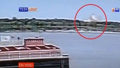 Así fue la explosión de barcaza que sacudió a San Antonio