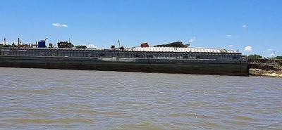Explotó una barcaza en el Río Paraguay – Prensa 5