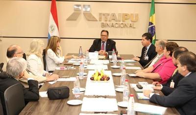 Destacan importancia de las Becas Itaipú para el desarrollo del país