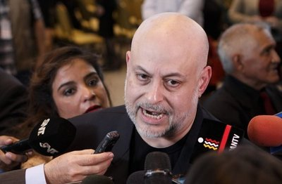 Payo Cubas quiere sanción de G. 10 millones para evitar ausencias